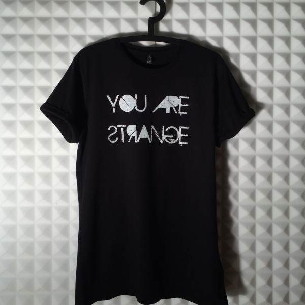 You-Are-Strange-T-Shirt-men-002